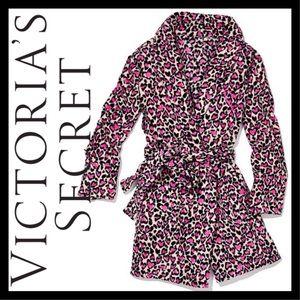 NEW! Victoria's Secret Pink Heart Leopard Robe